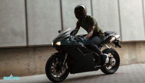 چگونه بیمه موتورسیکلت، خیالتان را آسوده می کند؟ + ناگفته های بیمه موتور