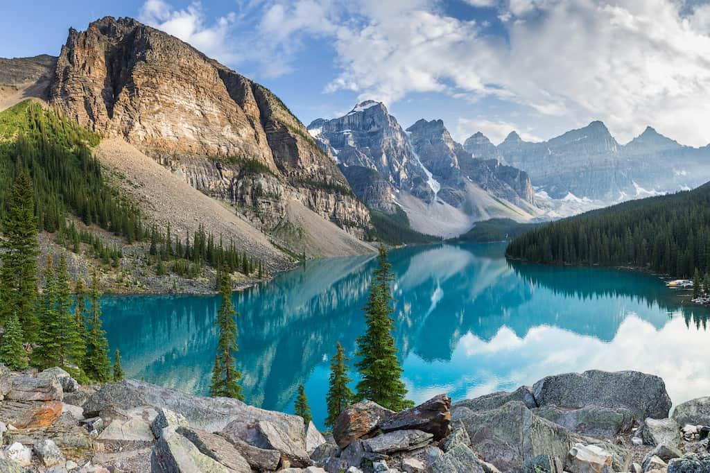 بیمه مسافرتی کانادا: سفری ایمن و لذت بخش به کشور زمستانهای سرد